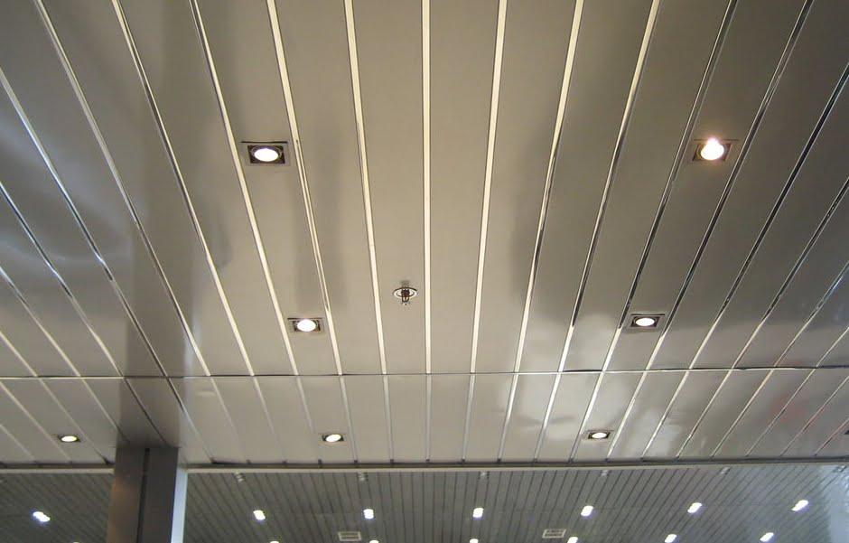 реечный потолок албес со вставкой хром
